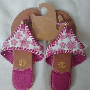 NWT Simply Southern flip flops